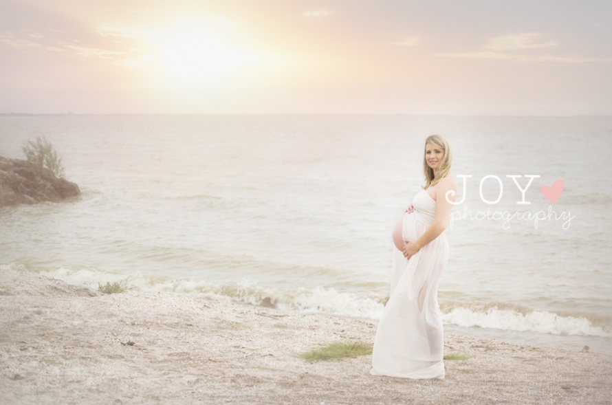 bright beach maternity session