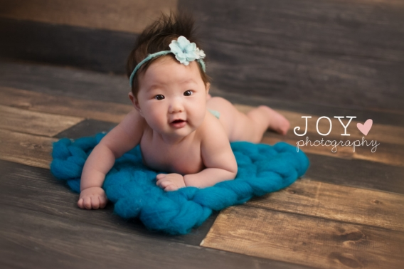 4 month old baby girl | Toledo, Ann Arbor Baby Photographer